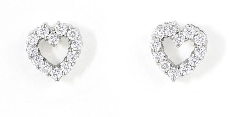 Pendientes NICOL´S Corazón. Pendientes en forma de corazón de 8mm de diámetro, engaste en garritas. Fabricada en oro blanco 18kt y diamantes 0.30ct www.nicols.es