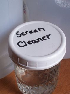 Homemade Computer/TV Screen Cleaner 1 part plain white vinegar 1 part distilled water (make sure you use distilled only!) A clean, lint-free cloth. (I like using old, worn-out t-shirts from my rag collection)
