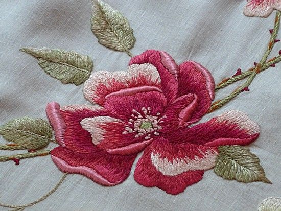 Em's Heart Antique Linens -Antique Society Silk Embroidered Centerpiece