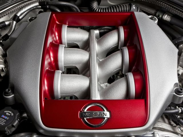 Check out this ripped six-pack from @Nissan_USA. Drivin' the runway ... stylin'. #V6