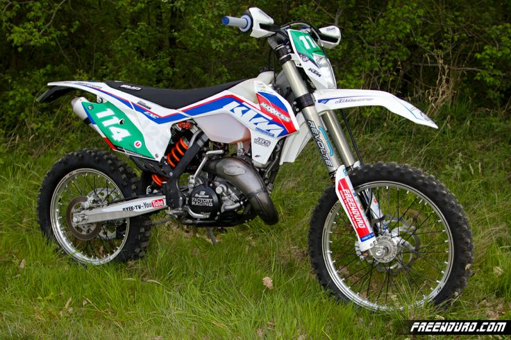 Kit déco KTM  125 Exc 22014 patriot  http://www.eight-racing.com/fr/kit-deco-ktm-exc/1428-kit-deco-ktm-freenduro-2014-blanc.html