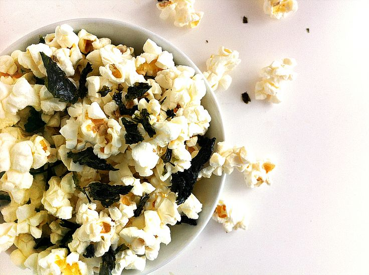 """(CAN""""T WAIT TO TRY THIS!!!) Snack Idea: Organic Popcorn Sprinkled With Sweet Kim Nori and Sea Salt"""