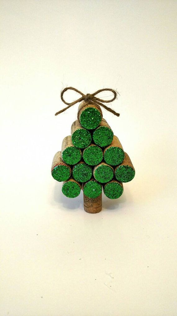 Wine Cork Christmas Tree Ornament https://www.etsy.com/listing/465817604/wine-cork-christmas-tree-ornament