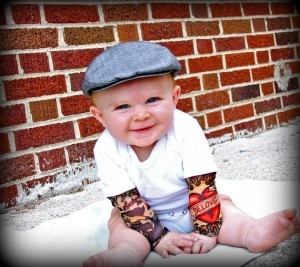 I really want so tattoo sleaved shirts for when I have kids. Super cute!: Baby Tattoo, Sleeve Onesie, Weights Loss Tips, Tattoo'S, Tattoo Sleeves, Baby Clothing, Tattoo Baby, Little Boys, Kid