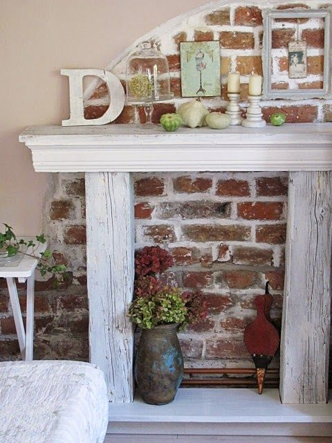 I just love this faux fireplace