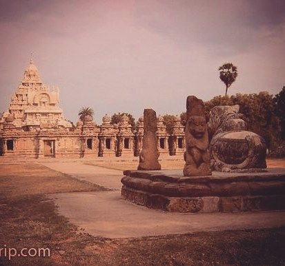 Kailasanathar Temple the oldest #temple in whole Kanchipuram enchanting #tamilnadu #incredibleindia #architecture #tphotooftheday #travelforexperiences #travelblogger #attp #Travellers #wanderlust of #southindia #worldheritage #indiatrip #incredibleindiaoffical #globetrotters 2 #indiatourism #culturaltourism #exploration #igtravelers #oldcitywalks #indiatravelgram & #travelgramindia 4 #indiaholidays #travelphotography #igchennai #travelphotographer #travelfreak #indiatravel #backpackers…