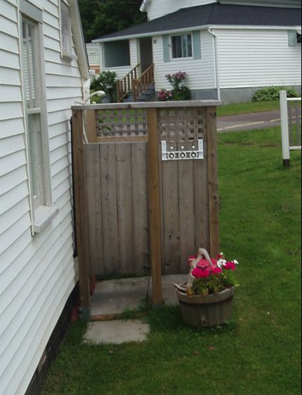 outdoor cottage inspirations | ... another pretty simple outdoor shower design from a cottage in Pugwash (Toabh Na Mara Cottage)