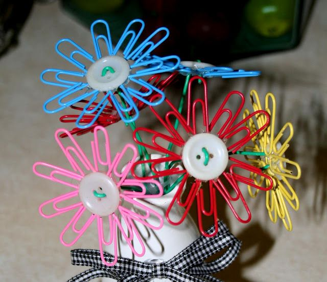 Flores de clips y botones