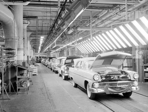 Ford rouge factory tour 1950s ford rouge plant 1955 for Ford motor company jobs dearborn mi