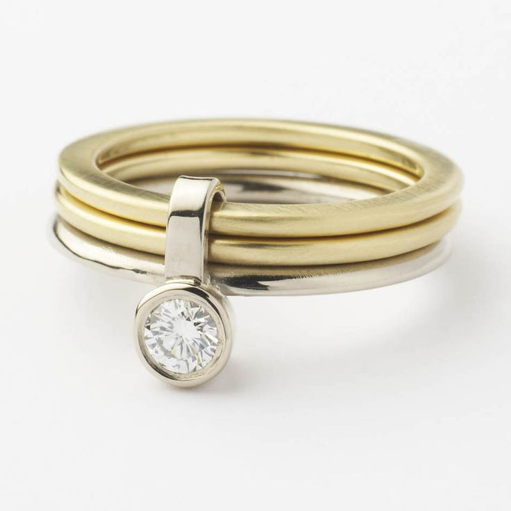 18k Gold and diamond Ring | Contemporary Rings by contemporary jewellery designer Sue Lane