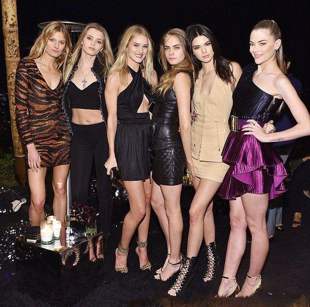 #KendallJenner & #KylieJenner join Jennifer Lopez at Star studded Balmain Olivier party