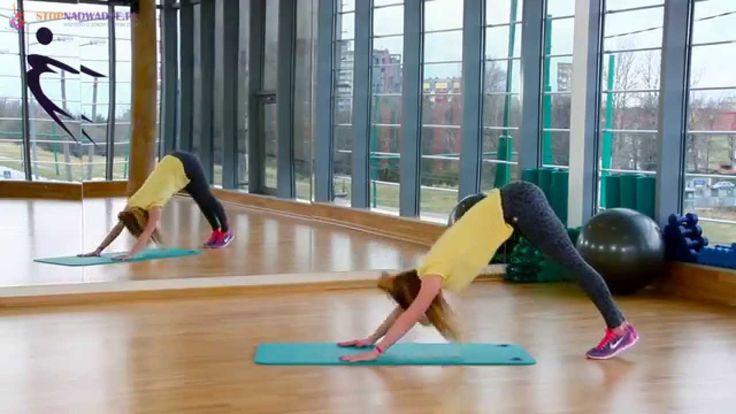 Ćwiczenia na brzuch #4 - trening angażuje całe ciało w podporze (płaski ...