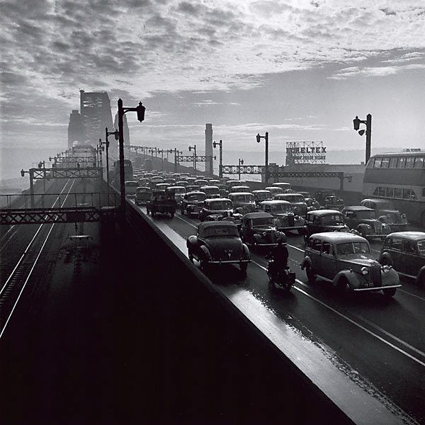 Sydney Harbour Bridge, 1947, photo byDavid Moore  viacrashinglybeautifulandluzfosca