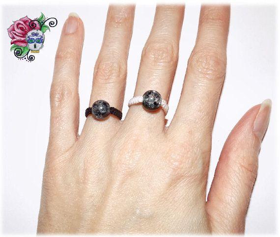 Bague en Macramé CHOIX DE 2 COULEURS Perles par ValniDesignsJewelry