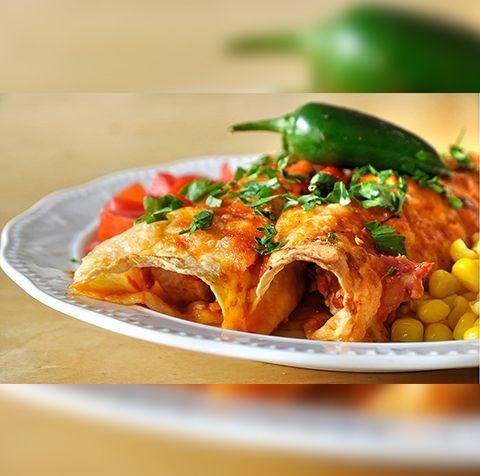 Enchiladas με κοτόπουλο και σάλτσα Τσίλι Μεσογειακή Amvrosia Gourmet! Δείτε περισσότερα εδώ: http://ift.tt/2iMJX6v