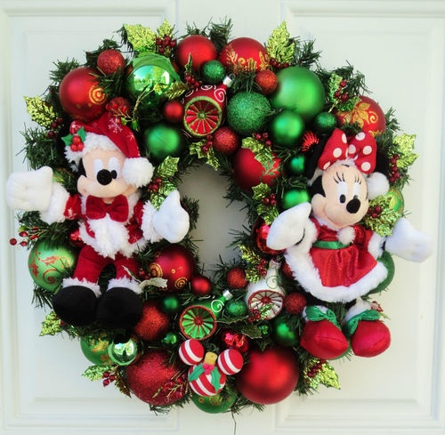 289 best disney wreaths images on pinterest disney for Decoration noel mickey