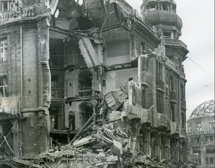 berlin 1945 das zerst rte hotel f rstenhof rechts am. Black Bedroom Furniture Sets. Home Design Ideas