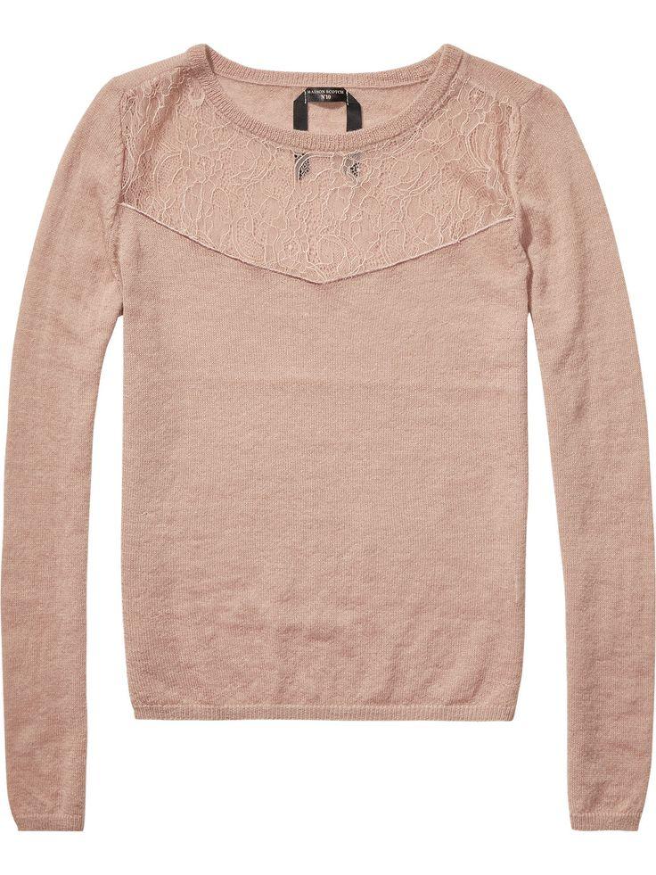 Maison Scotch Kanten inzetstuk Ronde hals Relaxed slim fit Waar is het van gemaakt: 48% nylon /39% wol /13% alpaca Artikelnummer: 14241060825