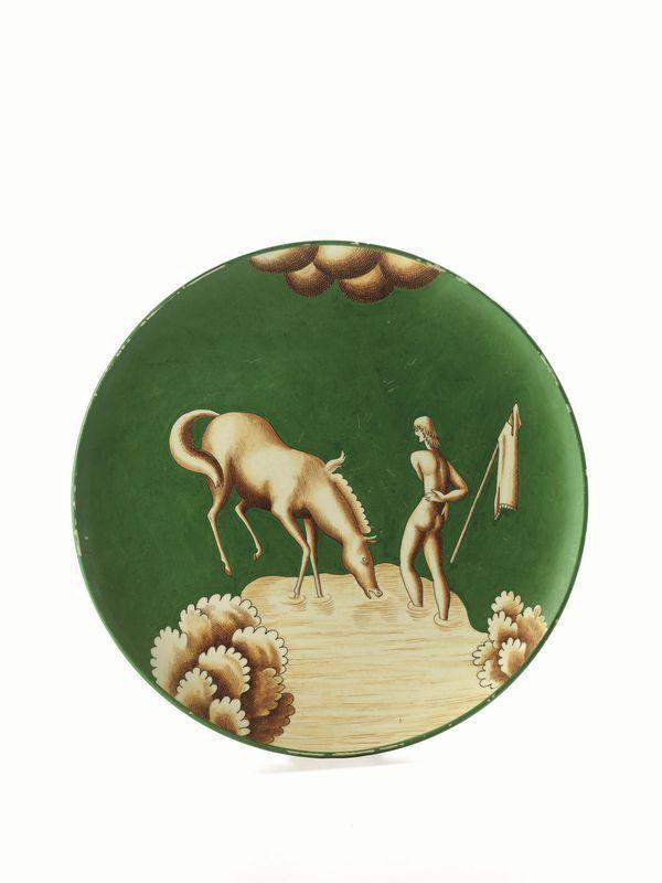 Gio Ponti, IL RIPOSO DELL'AMAZZONE, Richard Ginori 1928 circa, piatto in maiolica con fondo verde e decorazioni in giallo-bruno.