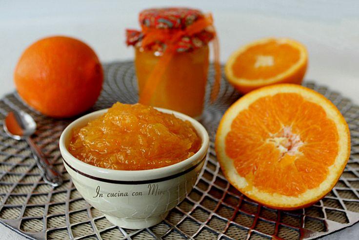La Marmellata di arance fatta in casa, volete una ricetta facile, facile da fare! Allora dovete fare un click e leggere questa ricetta.