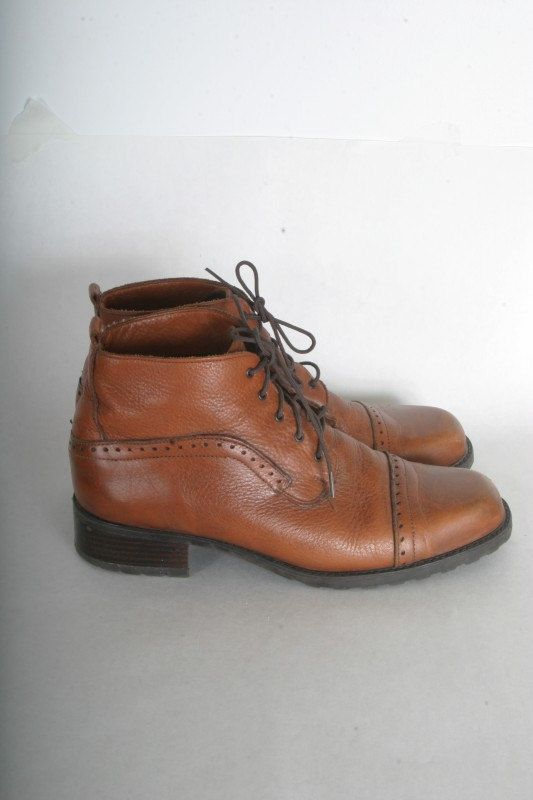 Vintage lace up ankle booties leather boots womens size 9 brown leather Oxford