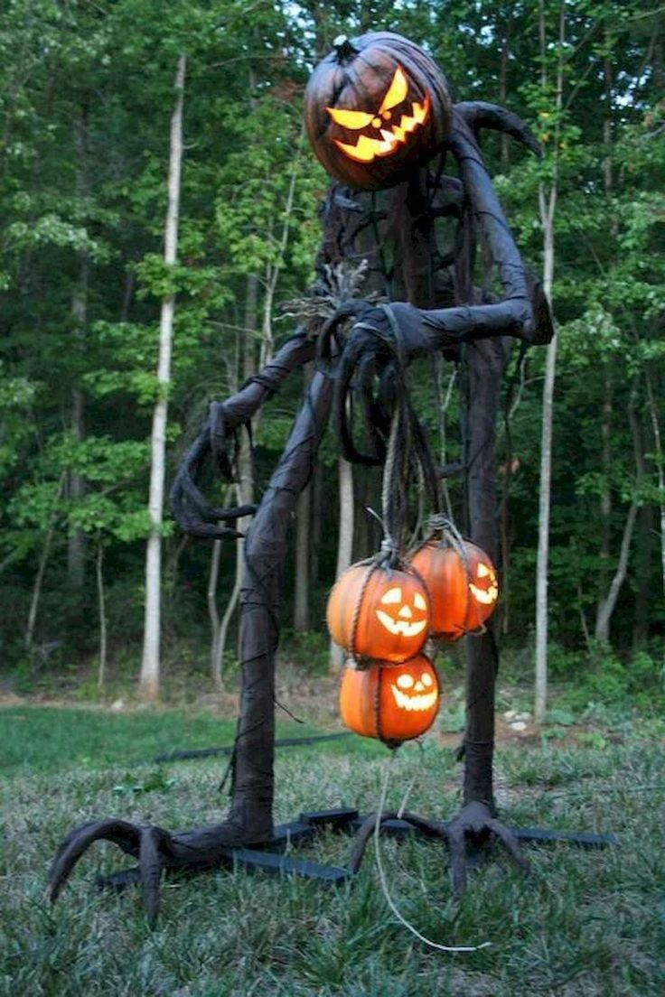 20 Amazing Outdoor Halloween Decorations Ideas For This