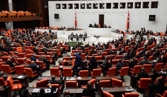 Başkanlık Anayasası değişikliği teklifinin birinci maddesinin oylamasına geçildi