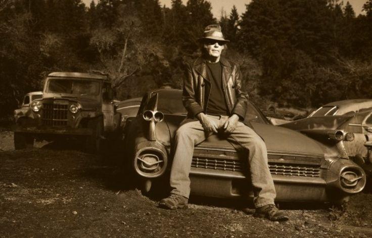 Нил Янг выпустит альбом Hitchhiker, записанный в 1976 году - http://rockcult.ru/news/neil-young-releasing-hitchiker/