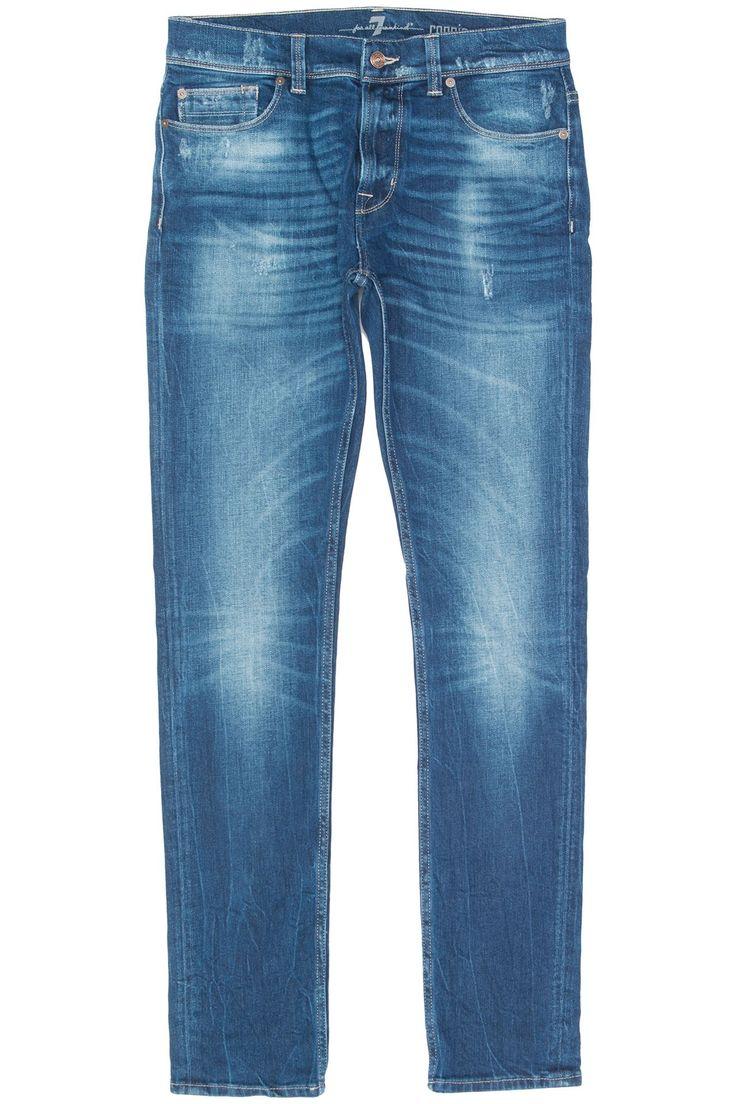 7 FOR ALL MANKIND Ronnie Seal ledge Donkerblauwe gewassen stretch jeans in het model Ronnie van 7 For All Mankind. Over de gehele jeans zitten meerdere vintage en destroyed plekken. De zachte denim in combinatie met stretch geven deze jeans het ultieme draagcomfort waar 7 For All Mankind natuurlijk zo bekend om staat.