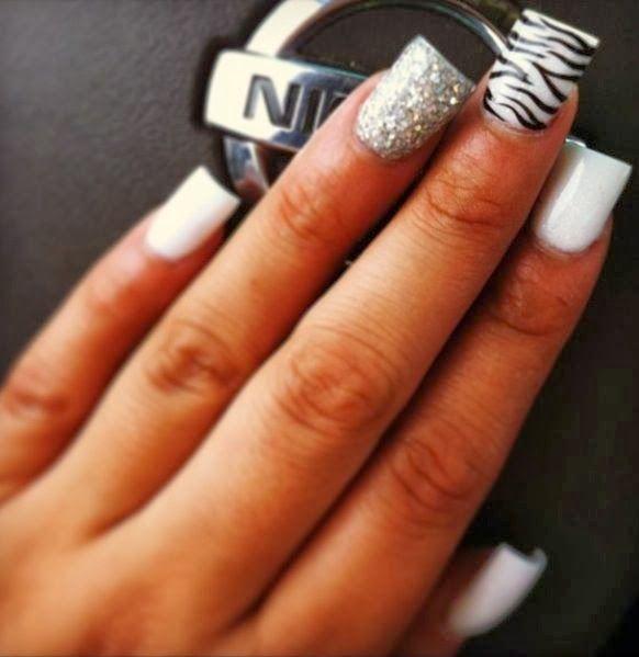 Fotos de Diseños de uñas acrílicas . La mayoría de mujeres cuidan sus uñas, las tienen bien cuidadas con diseños y colores preciosos. Si tie...