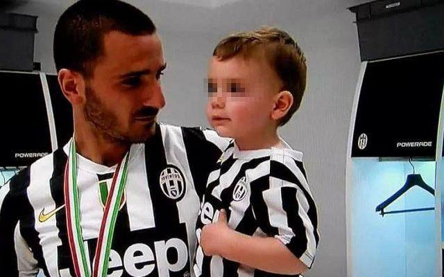 JUVENTUS ALTRA SVENTURA PER BONUCCI Momento brutto e negativo, per tutta la famiglia Bonucci, il figlio piccolo, Matteo, ha di nuovo problemi, e per il calciatore la Juventus, ha accordato due giorni di permesso, per risolvere questi p