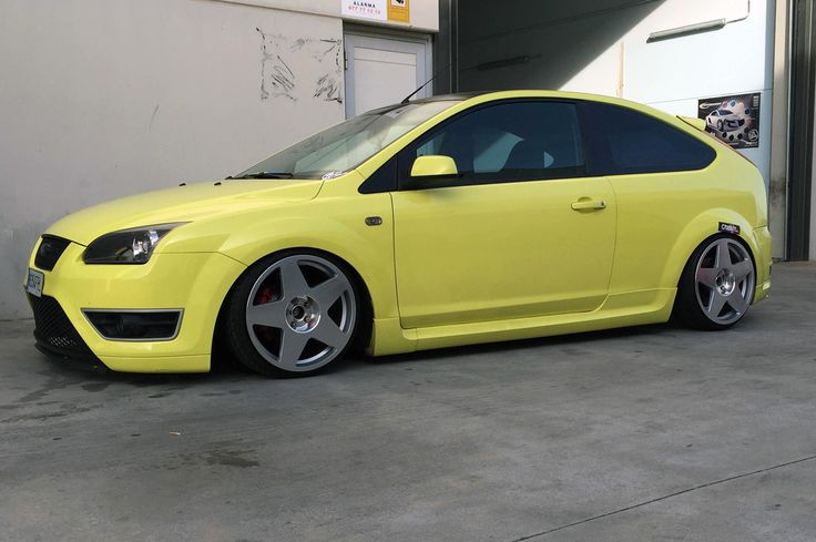"""Ford Focus ST with 18"""" Bola B10"""