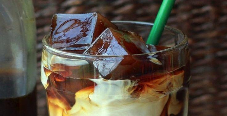 Maak snel en gemakkelijk een gezonde ijskoffie… lekker verkoelend!