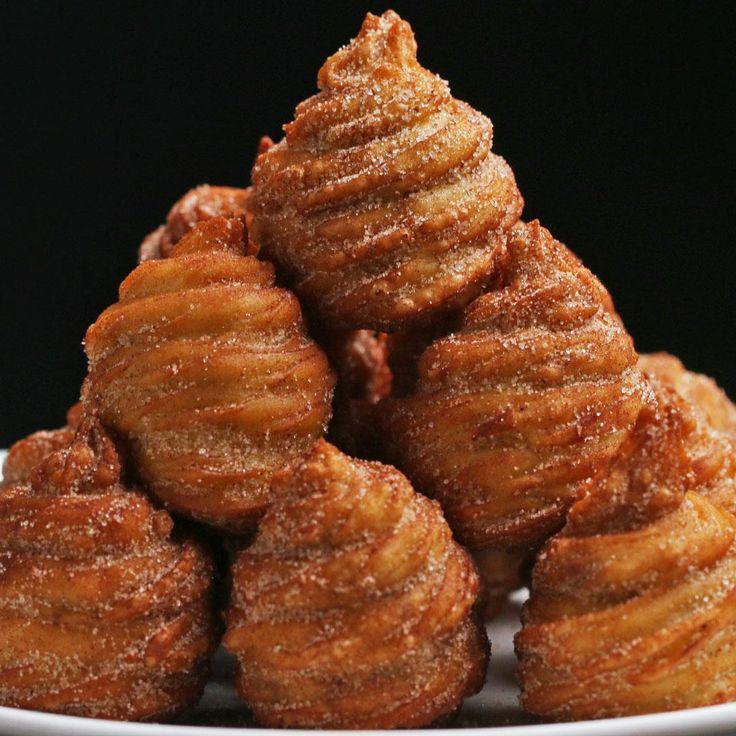 Chocolate Hazelnut Churros by Tasty Miam Recipe by Tasty Churro Donuts, Churro Bites, Churro Cake, Baking Recipes, Cake Recipes, Dessert Recipes, Baking Desserts, Delicious Desserts, Yummy Food