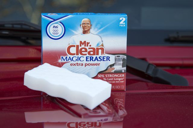 How to Use a Mr. Clean Magic Eraser on a Car