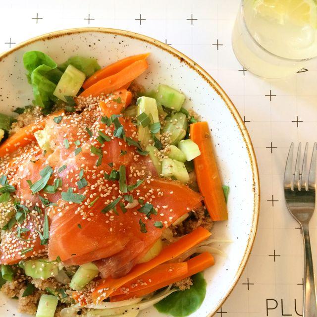 Gezond eten begint met gezond verstand: Salade met gerookte zalm / www.eenlepeltjelekkers.be