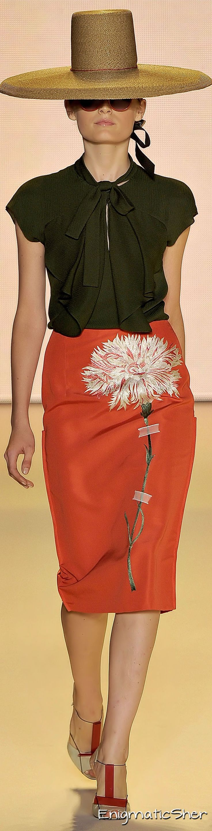 Carolina Herrera Spring Summer 2011 Ready-To-Wear