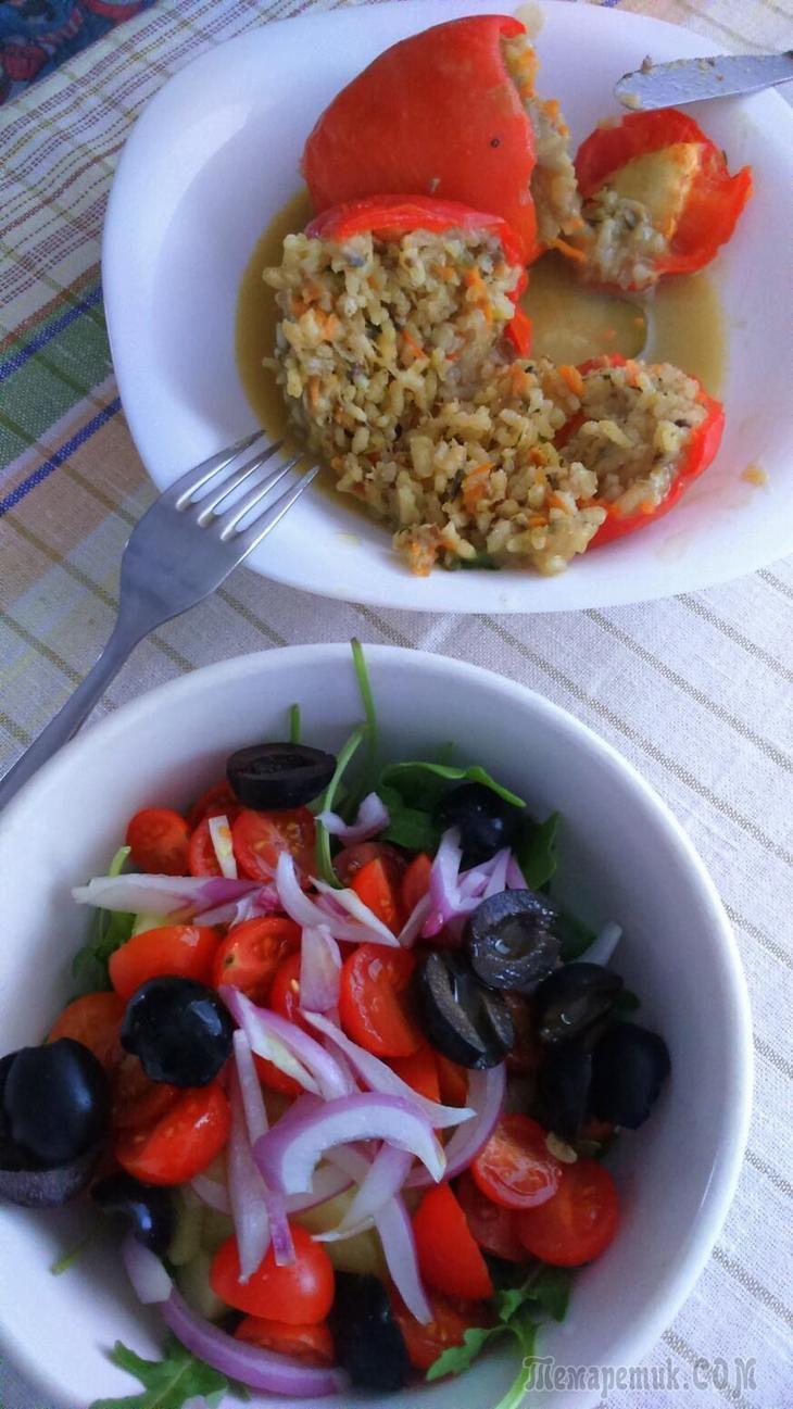 Перцы фаршированные овощами (вегетарианские)