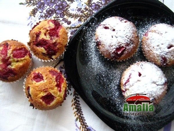 Briose cu capsuni / Strawberry cupcakes