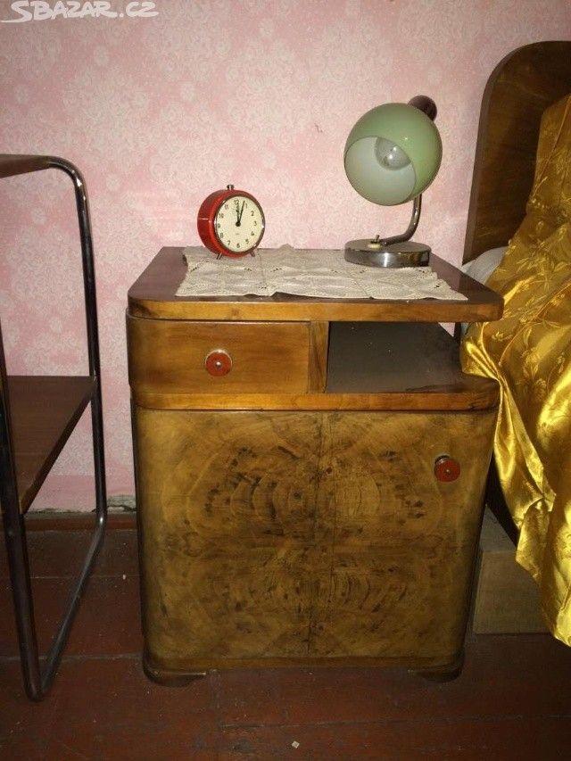 Starožitný nábytek z masivního ořechu vyroben na - obrázek číslo 6
