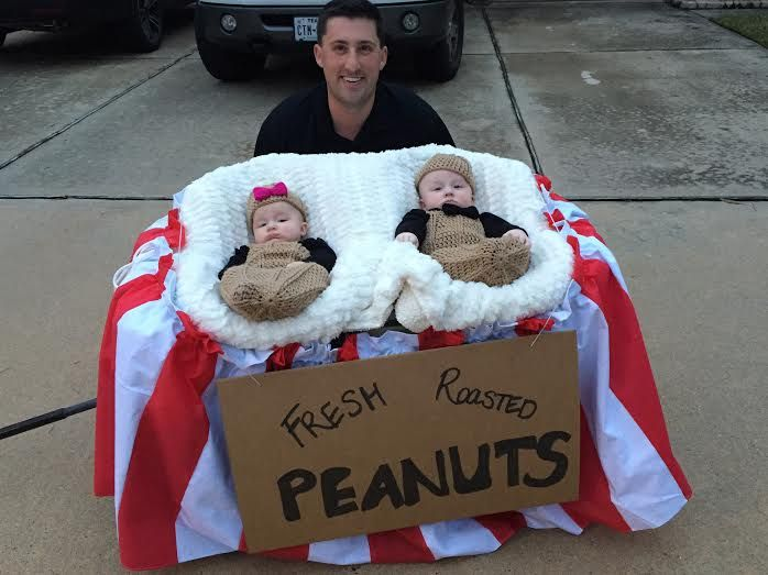 We had so many great entries for our Twins Halloween Costumes Contest that we just had to share with you a handful of our other favorites. Enjoy!