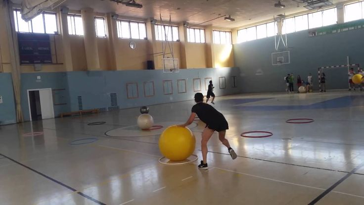 3 en raya con fitball 20160606_085912.mp4 Juegos Motores #TAT Granada 16 #JuegosMotores #INEF #CCAFD #UGR #HPE #  #PhysicalEducation #ActiveGames @Fac_Deporte_UGR @UGRdivulga