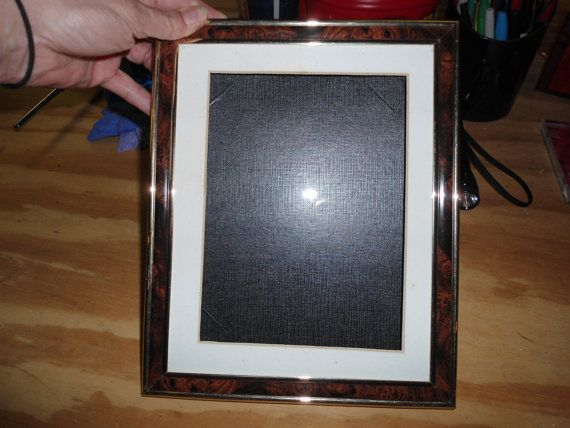 54.24 kr. Vintage Shadow Box Frame With Glass Front And by ChangingTreasures