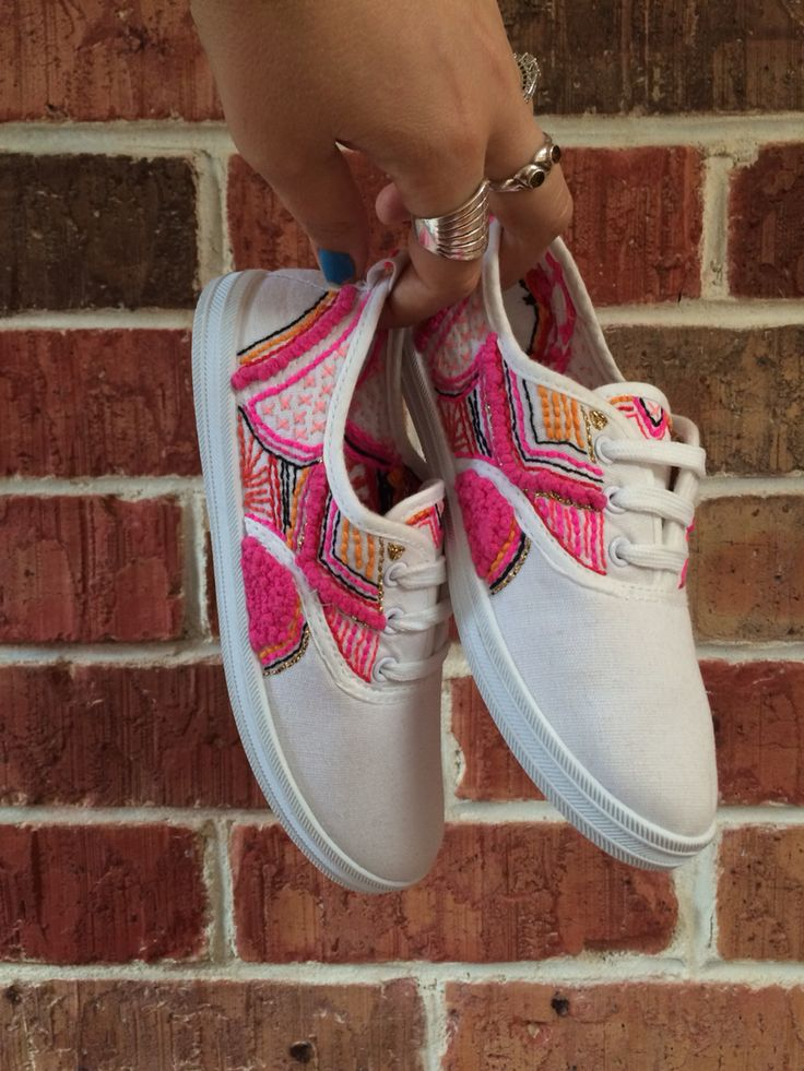 Hand embroidered sneakers by Liz Payne - for more info check out www.etsy.com/au/shop/flirtingwithyellow  OR @lizlpayne on instagram