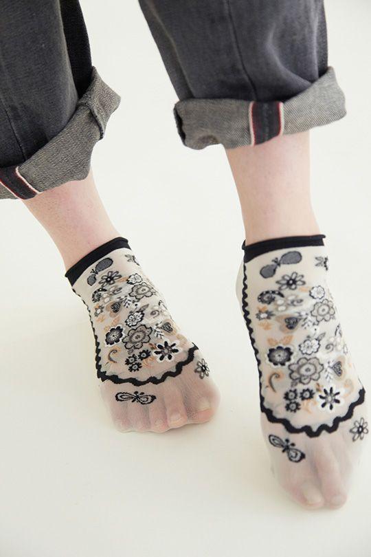 see‐through socks
