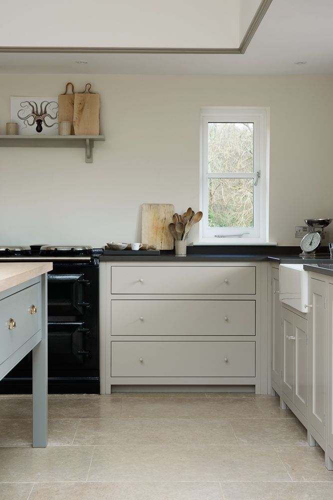 deep pan drawer base cupboard from deVOL's Real Shaker Range