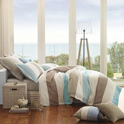 The Home Republic Deck Chair bed linen features a canvas-style construction and will give a fresh, summery feel to any bedroom.