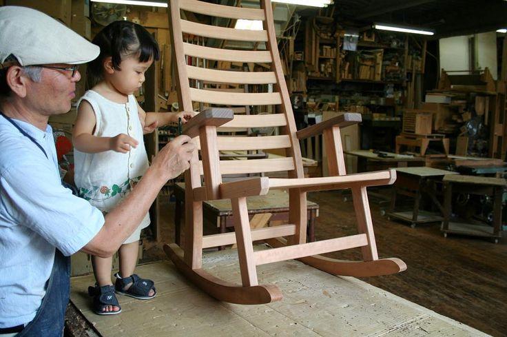 My father(Grandfather) , my daughter & rocking chair.    #木工房ひのかわ#三代目#無垢材#娘#家具#家具工房#オーダー家具#furniture#woodworking #二代目#woodwork#japanesestories#blackcherry#ブラックチェリー#japan#rockingchair#制作#インテリア#2016年7月23日#九州#木工#八代#熊本#ロッキングチェア#interior#工房#chair#living
