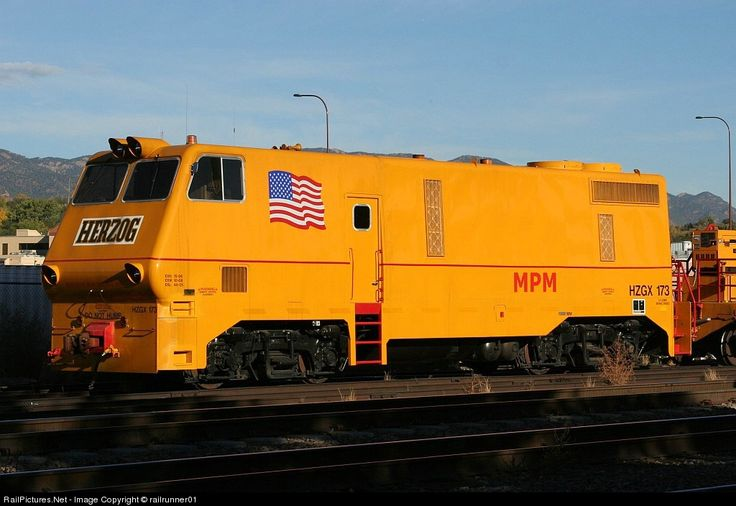 RailPictures.Net Photo: HZGX 173 Herzog Railway Services EMD GP38 at Colorado Springs, Colorado by railrunner01