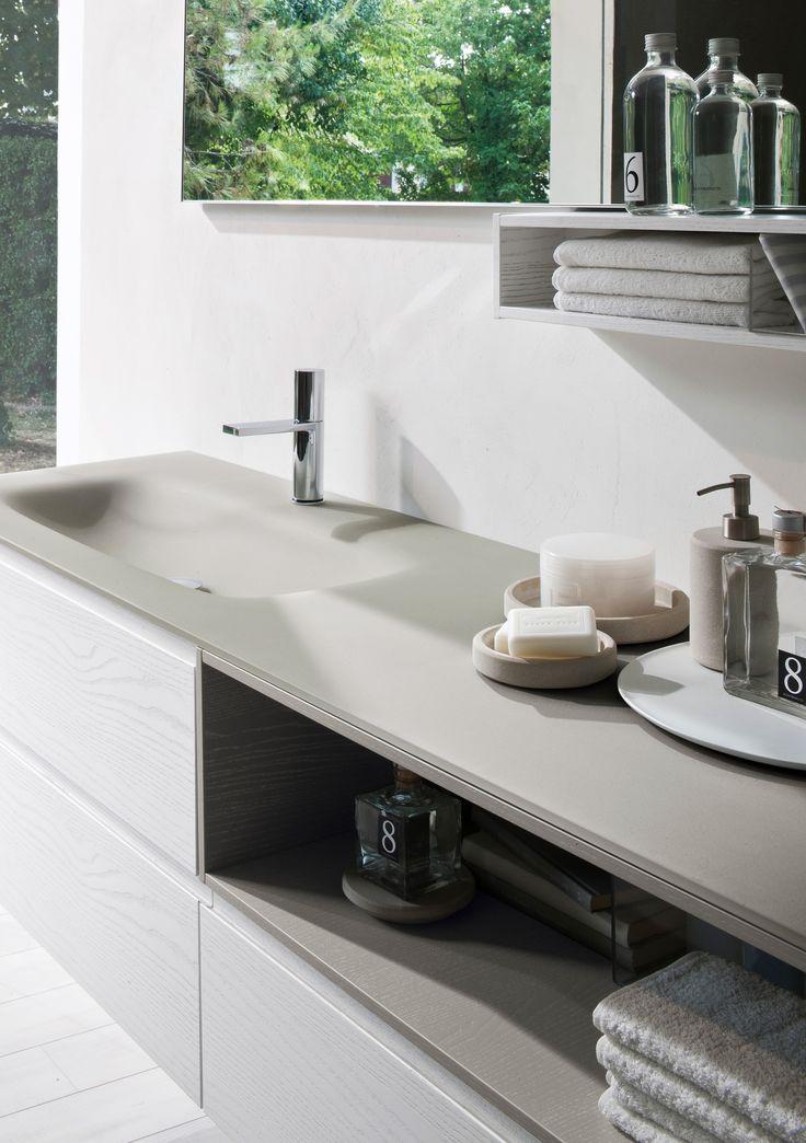 Torna la tendenza colori pastello nell'arredamento, inserendosi anche nella scelta dei mobili bagno e degli accessori di complemento.